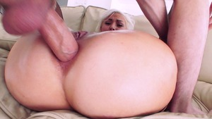 Big Wet Butts: Pierced Jenna Ivory gagging facial