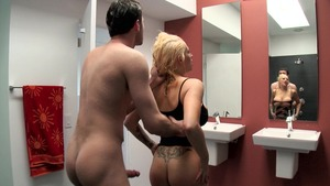 BigWetButts.com - Athletic Candy Manson POV handjob in shower