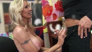 MommyGotBoobs: Cleanest hard slamming along with Emma Starr