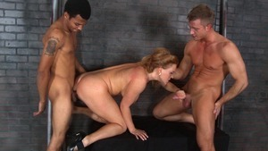 Big Tits at Work - Blonde hair Wrexxx Kidneys penetration