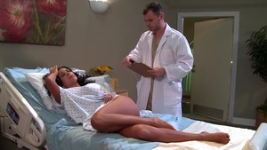 Doctor Adventures: Sienna West & Ralph Long in hospital