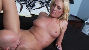 TeensLikeItBig: Muscled Victoria White reverse cowgirl